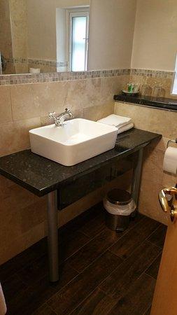 Chartham, UK: Bathroom