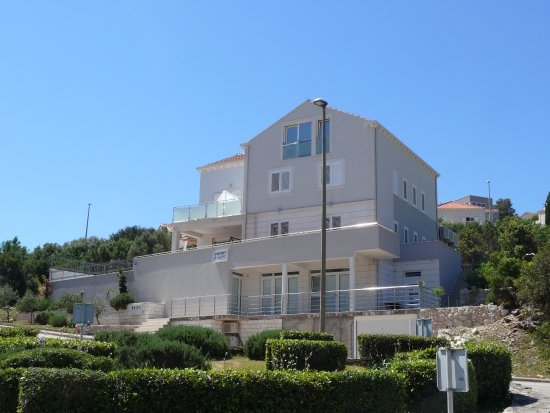 Apartments Sandra Solitudo