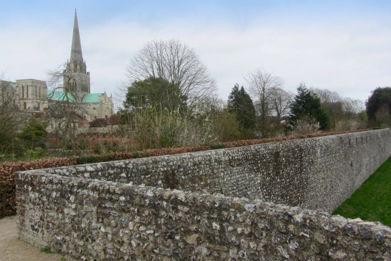 Chichester City Walls