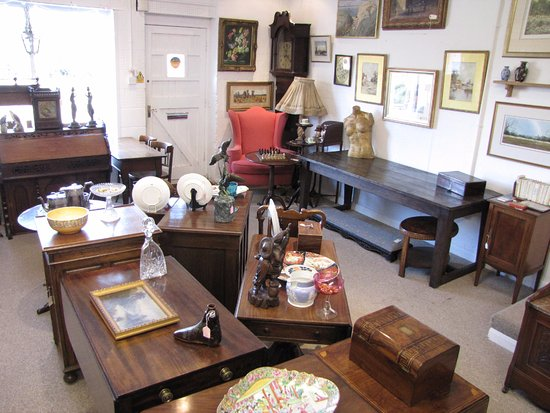 Henley-in-Arden, UK: Fabulous Finds Antiques shop interior.