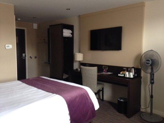 Premier Inn Bridgwater Hotel Photo