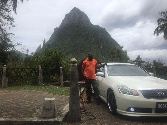 Gros Islet, St. Lucia: Pitons in the background