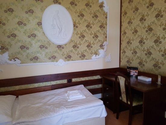 Parkhotel Brno: Część pokoju 3 osobowego