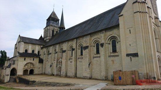 Fontevraud-l'Abbaye, Франция: DSC_1130_large.jpg