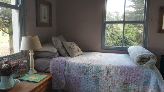 Pietermaritzburg, Sudáfrica: Twin room in family suite.