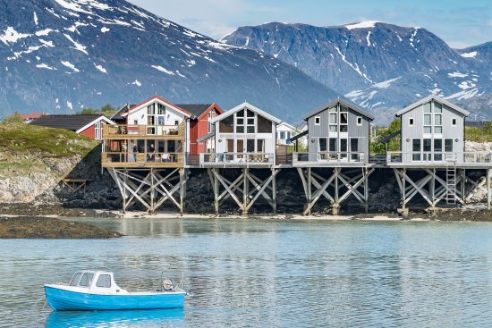 Sommaroy, Norge: Sea houses.