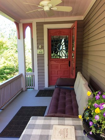 27 Blake Street: Your Private Entrance