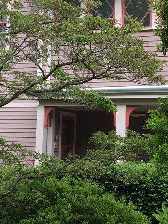 27 Blake Street: Your Verandah