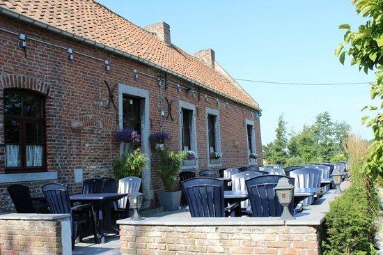 Binche, Belgia: Terrasse avant