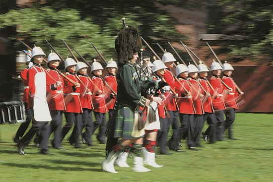 Officers' Square: Changing of the Guard - Fredericton Tourism