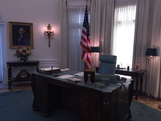 lbj oval office. LBJ Presidential Library: View Of The Oval Office Lbj