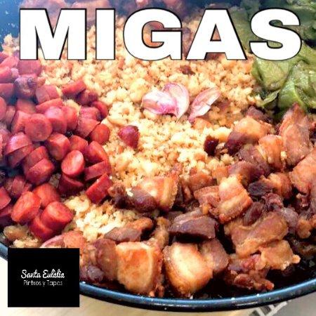 Palleja, Spanje: Migas Manchegas de pastor. Elaboradas cada Sábado en nuestra cocina a la manera tradicional.