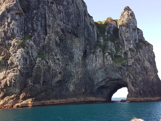 Paihia, New Zealand: Hole in the rock