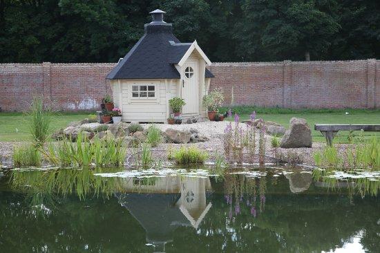 Horncastle, UK: The inner garden