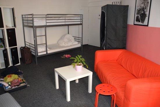 Hostel Franz Kafka: Pokój dla 6 kobiet.