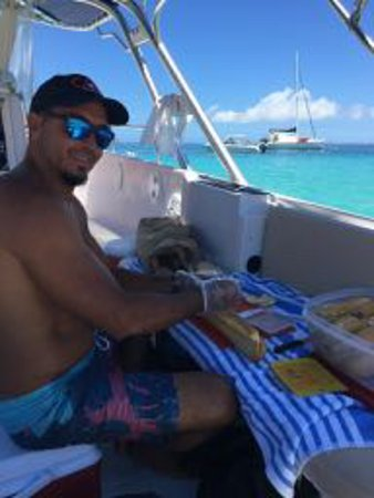 Oyster Pond, St. Maarten: Captain Alan is a chef, too! He'll make your lunch.