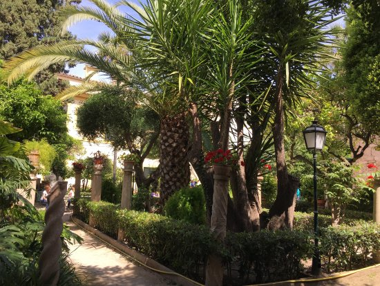 Jardin Bains Arabes Photo De Banys Arabs Arab Baths Palma De - Jardin-arabe