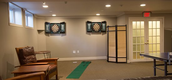 Port Carling, Canada: Newly added Games Room on lower level.