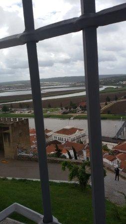 Alcácer do Sal, Portugal: De tralies van vroeger zitten er nog
