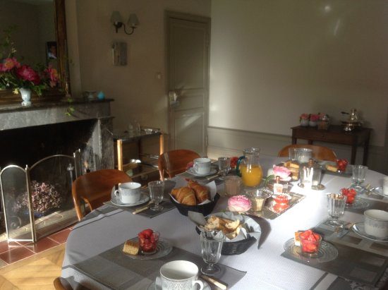 Champniers, Francia: Petit dejeuner aux douceurs du Périgord