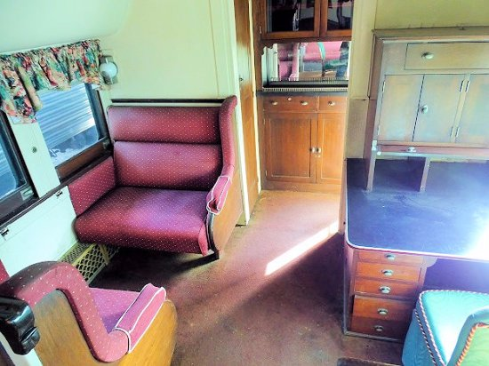 Southeastern Railway Museum: Inside Train Car #2