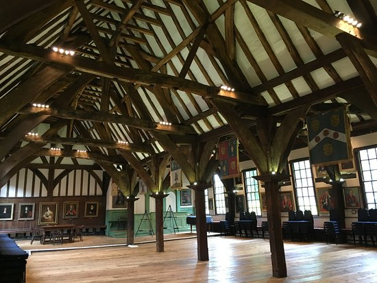 Merchant Adventurers' Hall: Double nave roof made from oak.