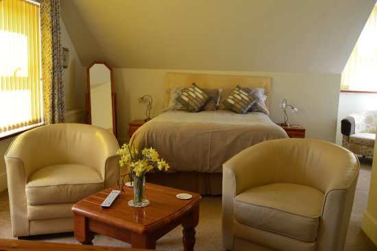 St. Margaret's Lodge: Large Double room