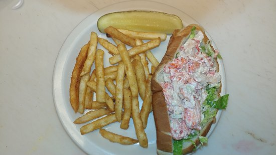 The Looking Glass Cafe: Amazing lobster rolls