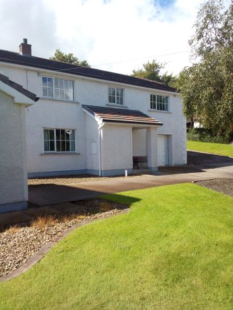Cootehill, Ireland: The Warren, ground floor apartment