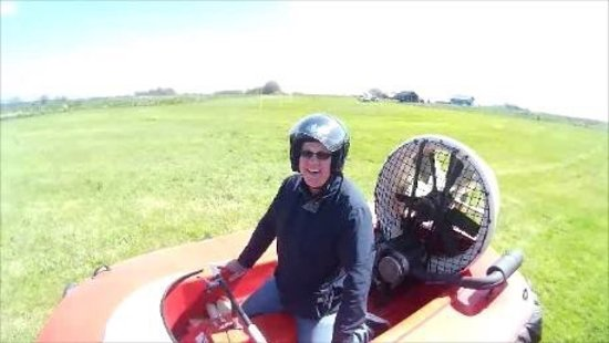 Strathaven, UK: Hovercraft Experience a day out not to be missed.