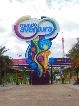 Taman Hiburan Parque Mundo Aventura