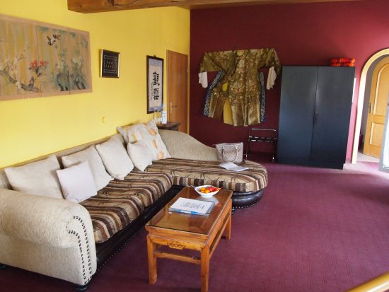 Wellness Hotel Park-Hill: Sehr bequeme Couch