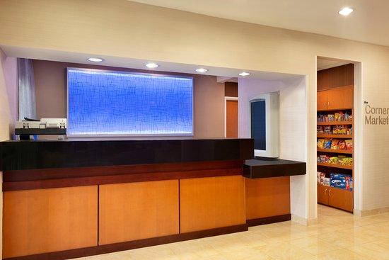 เมสกีต, เท็กซัส: Front Desk at our Mesquite Fairfield Inn & Suites