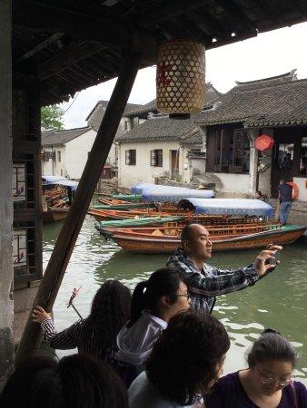 Kunshan, Kina: Sampan per una escursione tra i caali