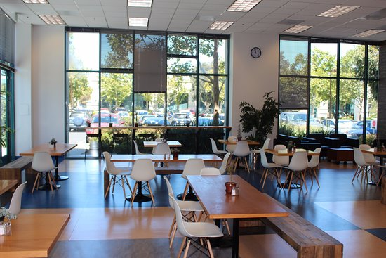 Redwood City, CA: Our sunny restaurant space is waiting for you!
