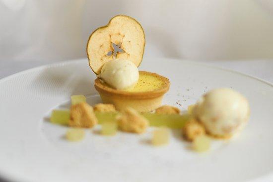Stoke Poges, UK: Estate-picked Apple Tart