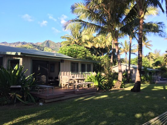 Hale Makai Cottages: Cottage #1 from outside