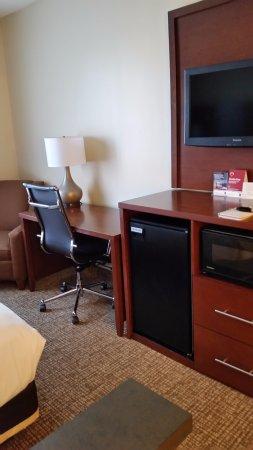 كومفرت سويتس أولد تاون سكوتسديل: Desk, fridge, microwave