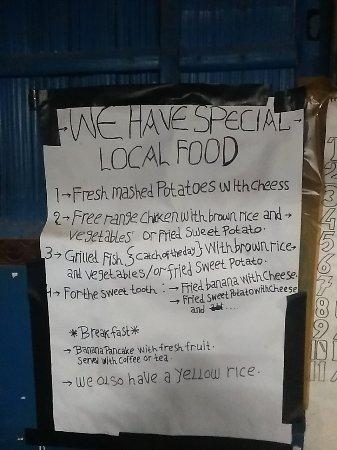 Moni, Indonesia: menu