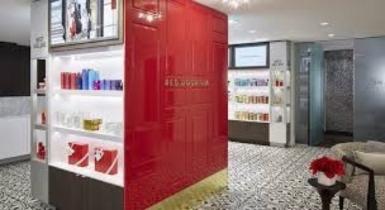 ‪Elizabeth Arden Red Door Spa‬