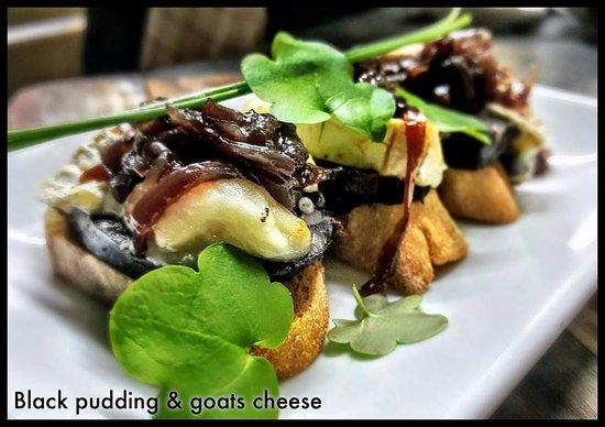 Las Rada Wine & Tapas Bar: Black Pudding and goats cheese pinchos