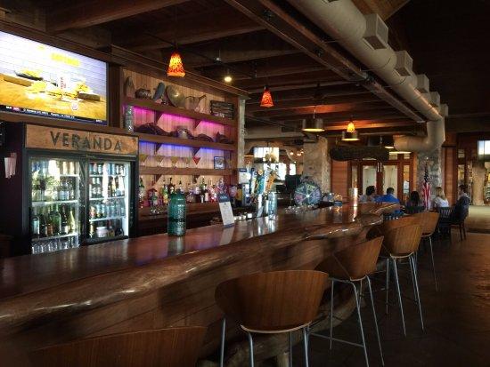Schlitterbahn Beach Resort: Ground floor bar and restaurant