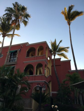 Casa Bella Boutique Hotel: Beautiful courtyard and breakfast