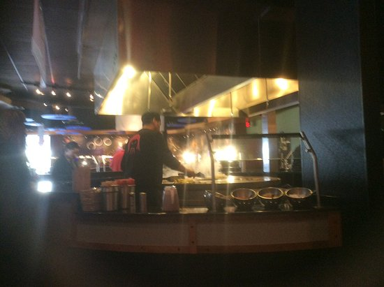 Huhot Mongolian Grill: Cooking it up