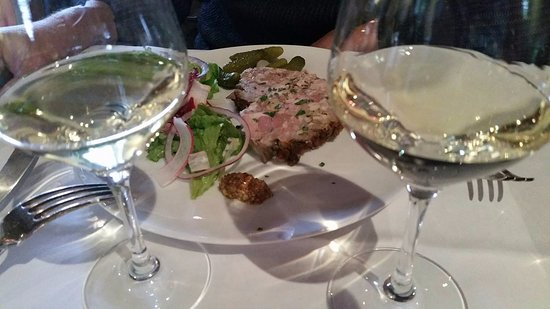 Yerres, Francia: Terrine maison... entrée simple riche en goût!! (14-11-2016)