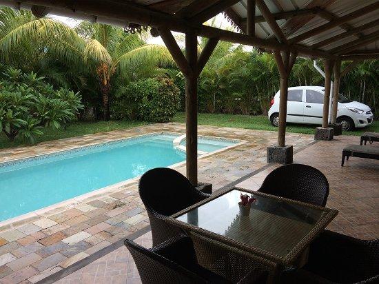 Orchid Villas Mauritius: Piscina privativa