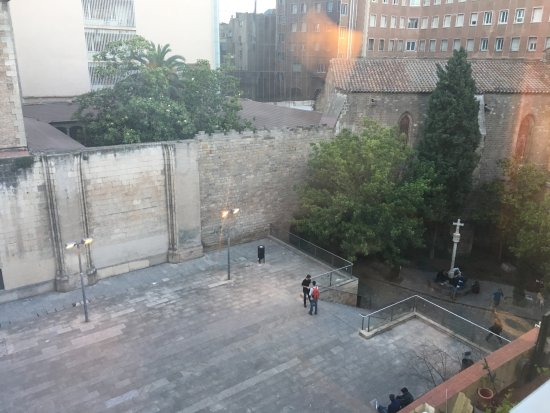 Hotel Cortes: Courtyard view from window, early evening