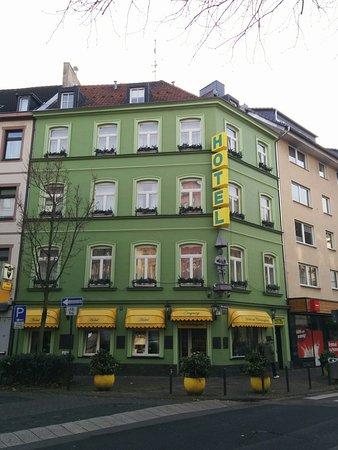 Hotel am Chlodwigplatz : External view