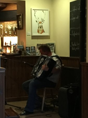 Torridon, UK: Live music in the bar