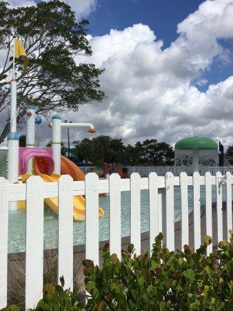 Port Saint Lucie, Floryda: Pool, beach, Slice Bar, kiddie pool & schedule, breakfast and then our room